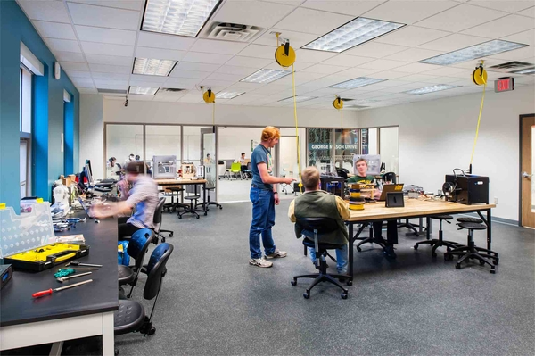 Classroom Design Aids Student Learning : Transforming existing spaces into active learning